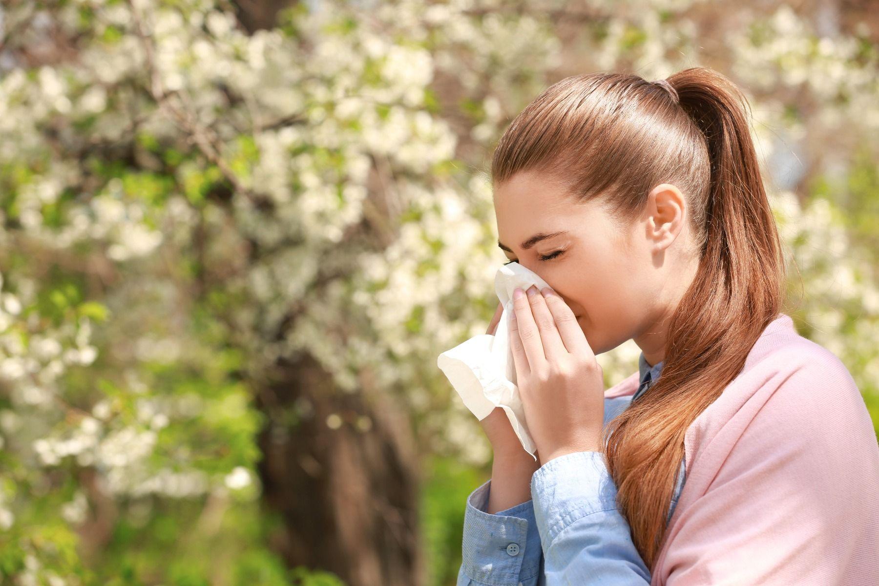 Hooikoorts symptomen niezen