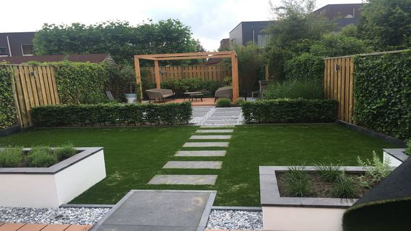 Tuin En Kunstgras : Moderne strakke tuinen